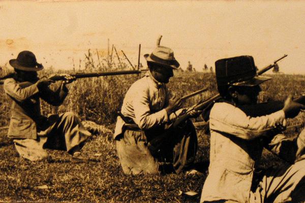 Práctica_de_tiro_de_fuerzas_saravistas_en_1904